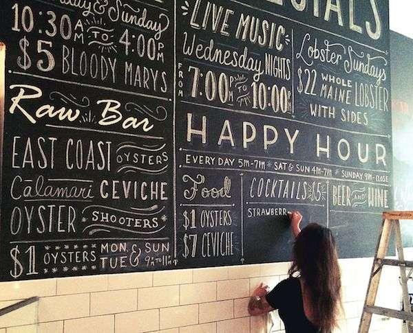 restaurante decorado con tipografía